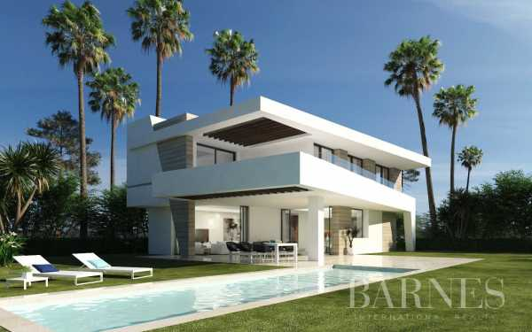 Villas independientes junto al Club de Golf La Resina Estepona  -  ref 3889161 (picture 1)