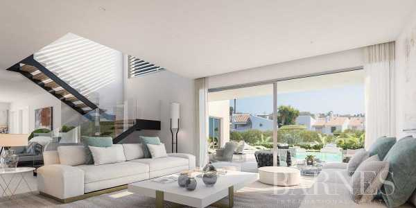 New Project of 3 Modern villas in Atalaya - Estepona Estepona  -  ref 4103242 (picture 3)