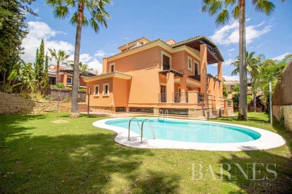 Villa Marbella  -  ref 5693054 (picture 1)