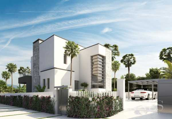 Exclusive residential area in the Golf Valley of Nueva Andalucía Marbella  -  ref 3783770 (picture 2)