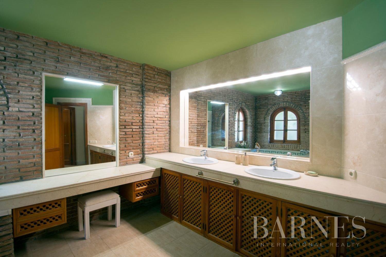 Estepona  - Villa 21 Cuartos 7 Habitaciones - picture 19