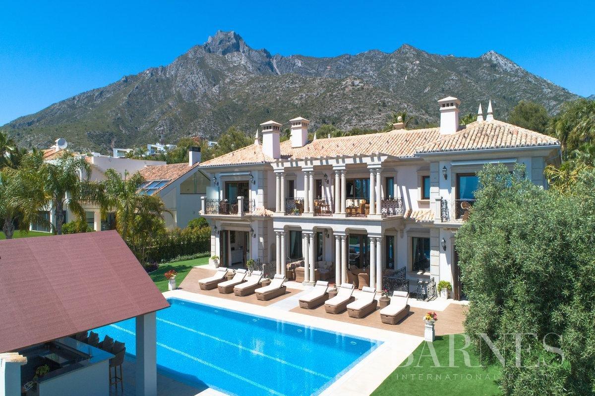 Marbella  - Villa 25 Cuartos 8 Habitaciones - picture 4