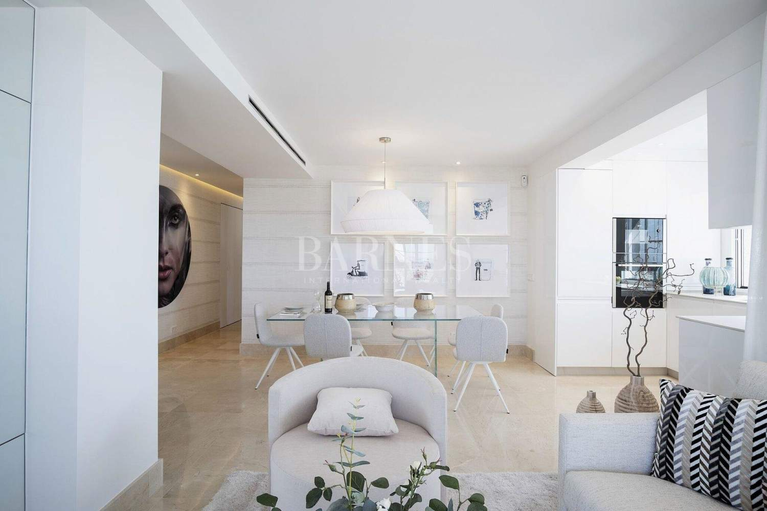 Estepona  - Apartment 2 Bedrooms - picture 5