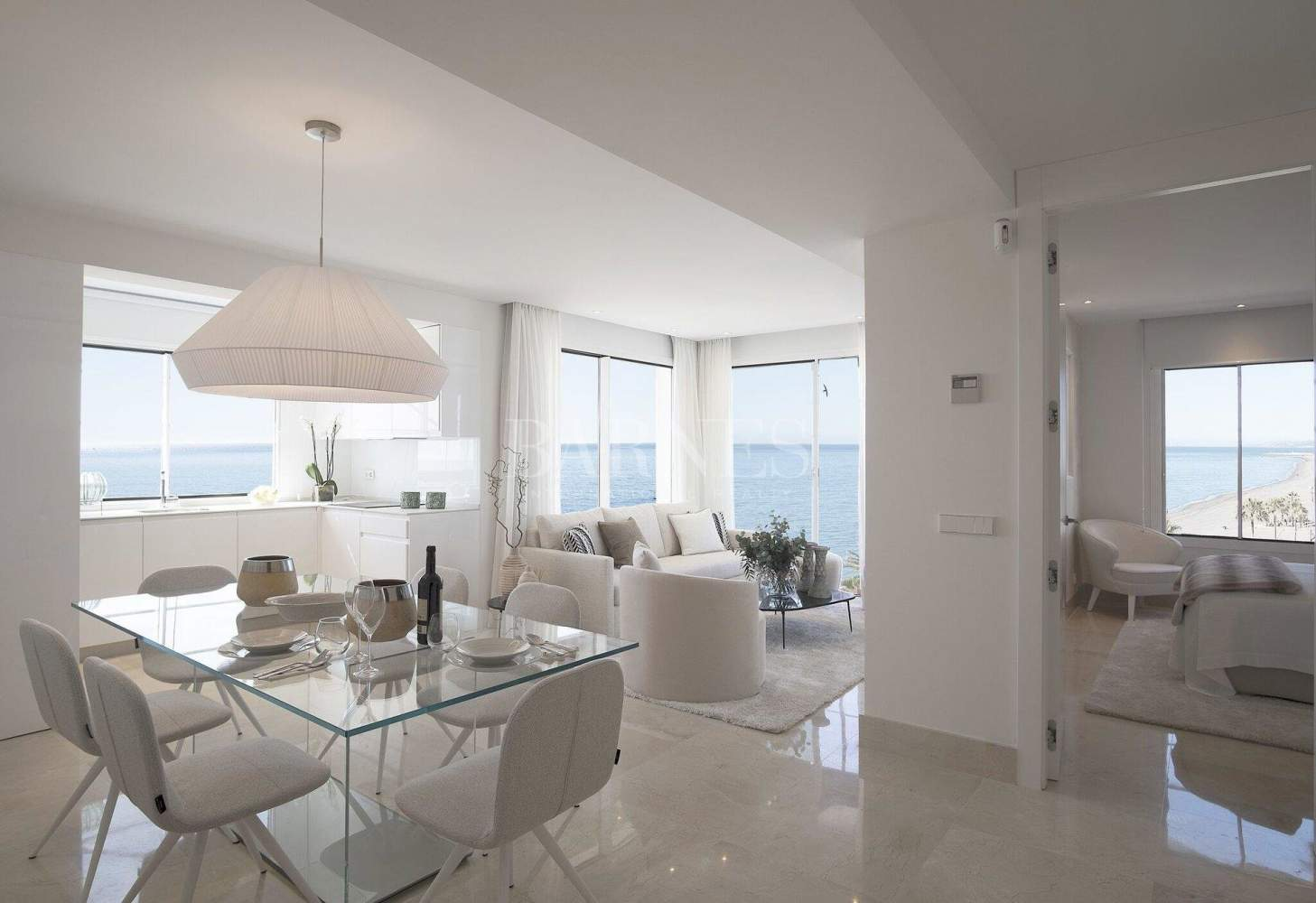 Estepona  - Apartment 2 Bedrooms - picture 1