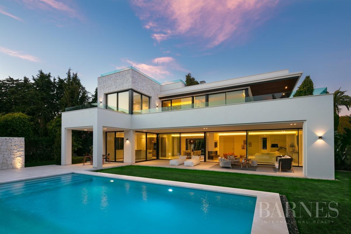 Estepona  - Villa 22 Cuartos 4 Habitaciones - picture 5