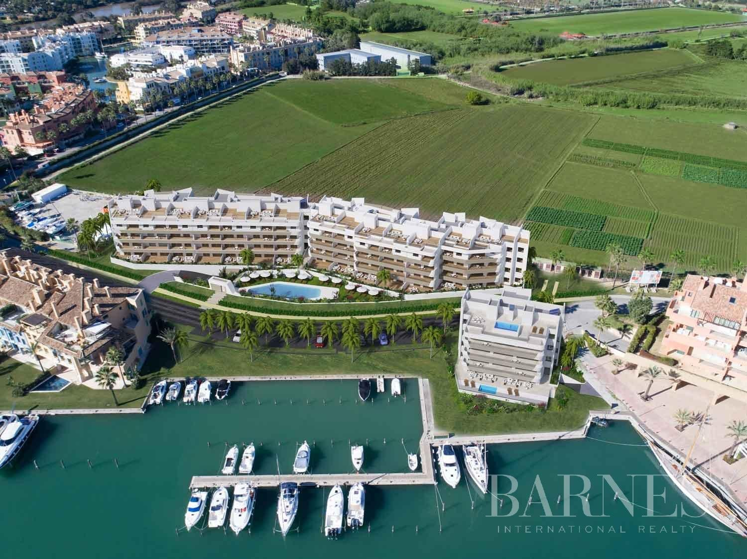 Sotogrande  - Penthouse 4 Bedrooms - picture 14
