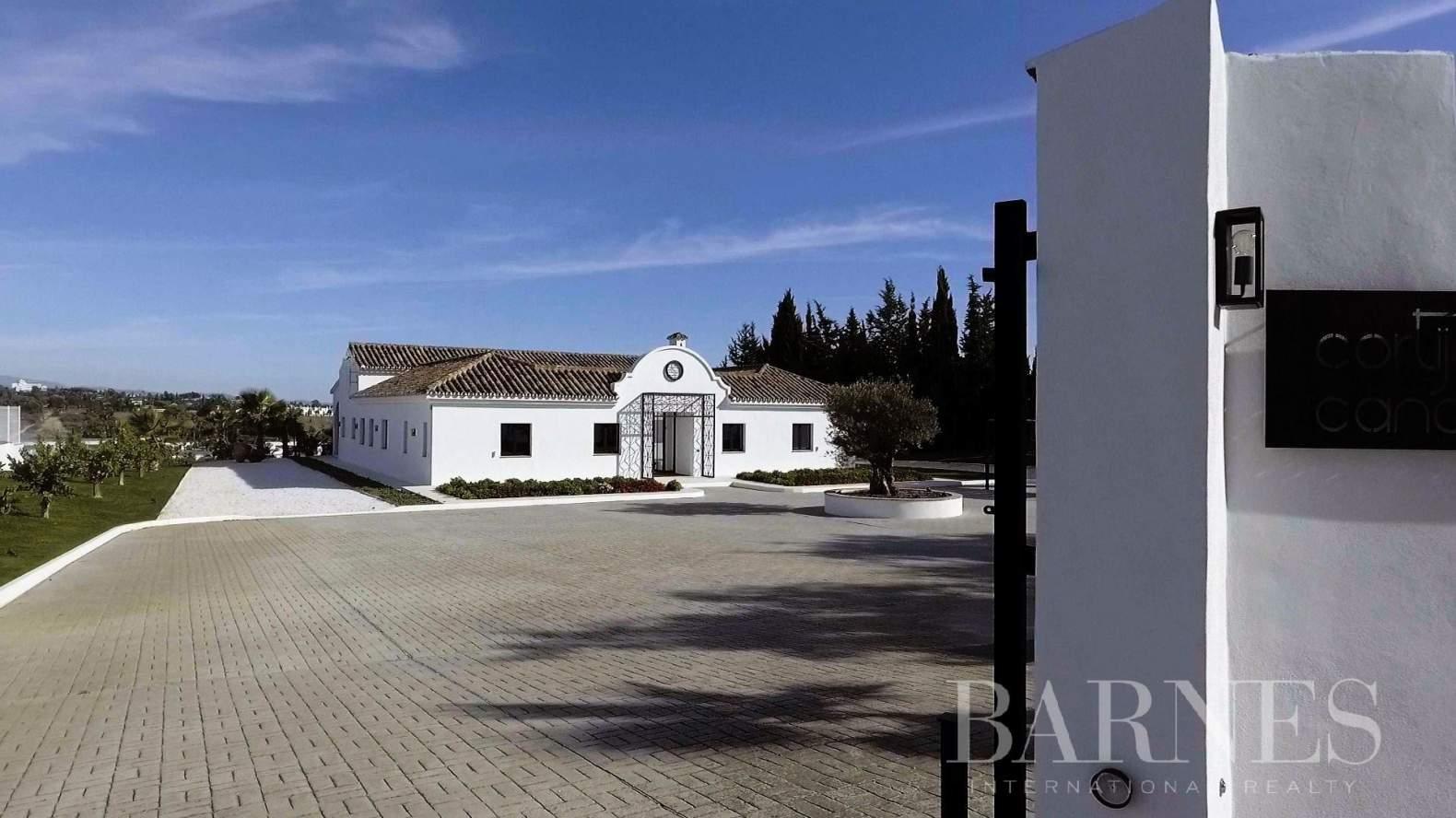 Estepona  - Granja 15 Cuartos 5 Habitaciones - picture 6
