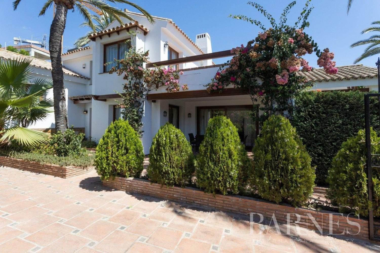 Marbesa  - Villa 17 Cuartos 5 Habitaciones - picture 1