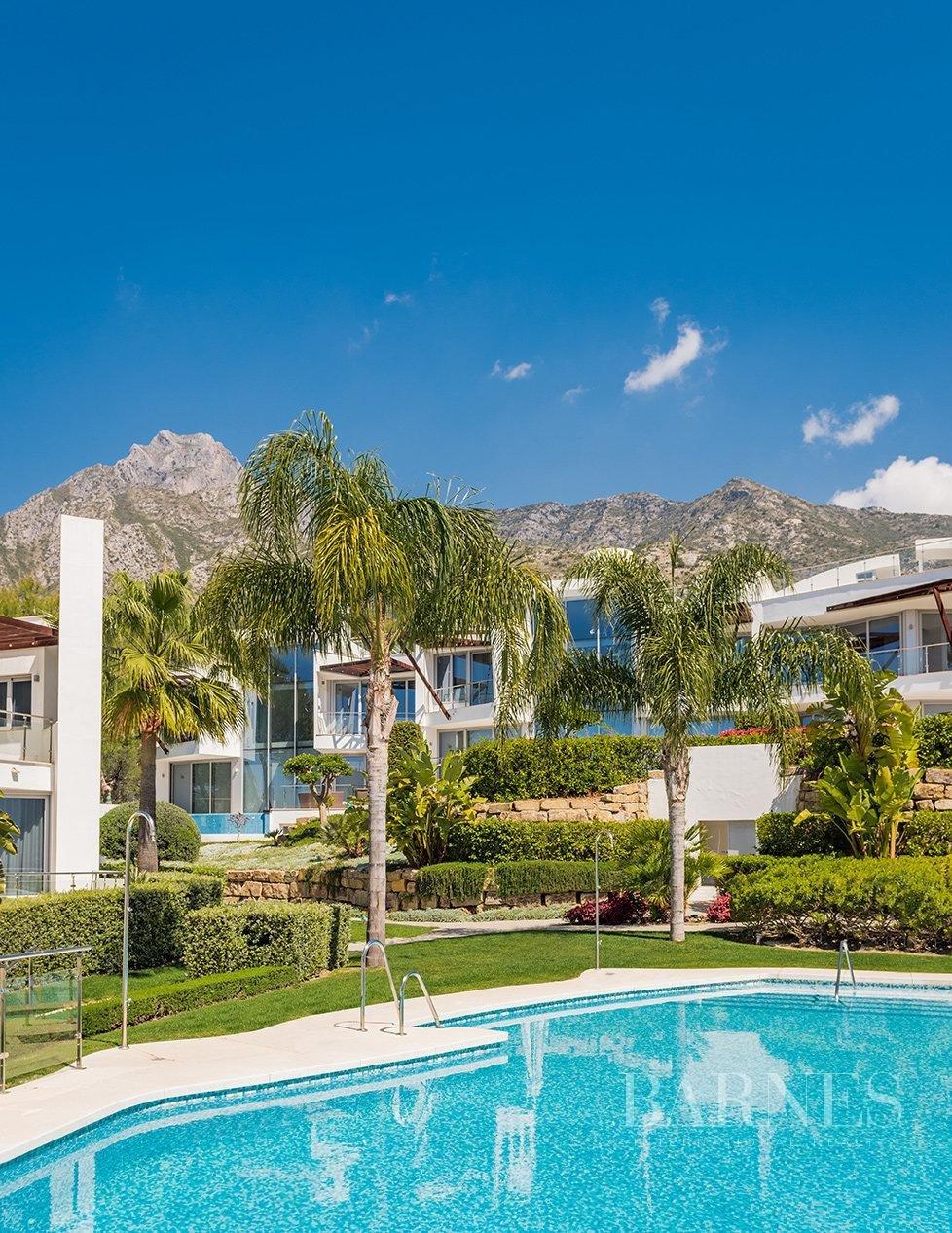 Marbella  - Villa 15 Cuartos 4 Habitaciones - picture 6