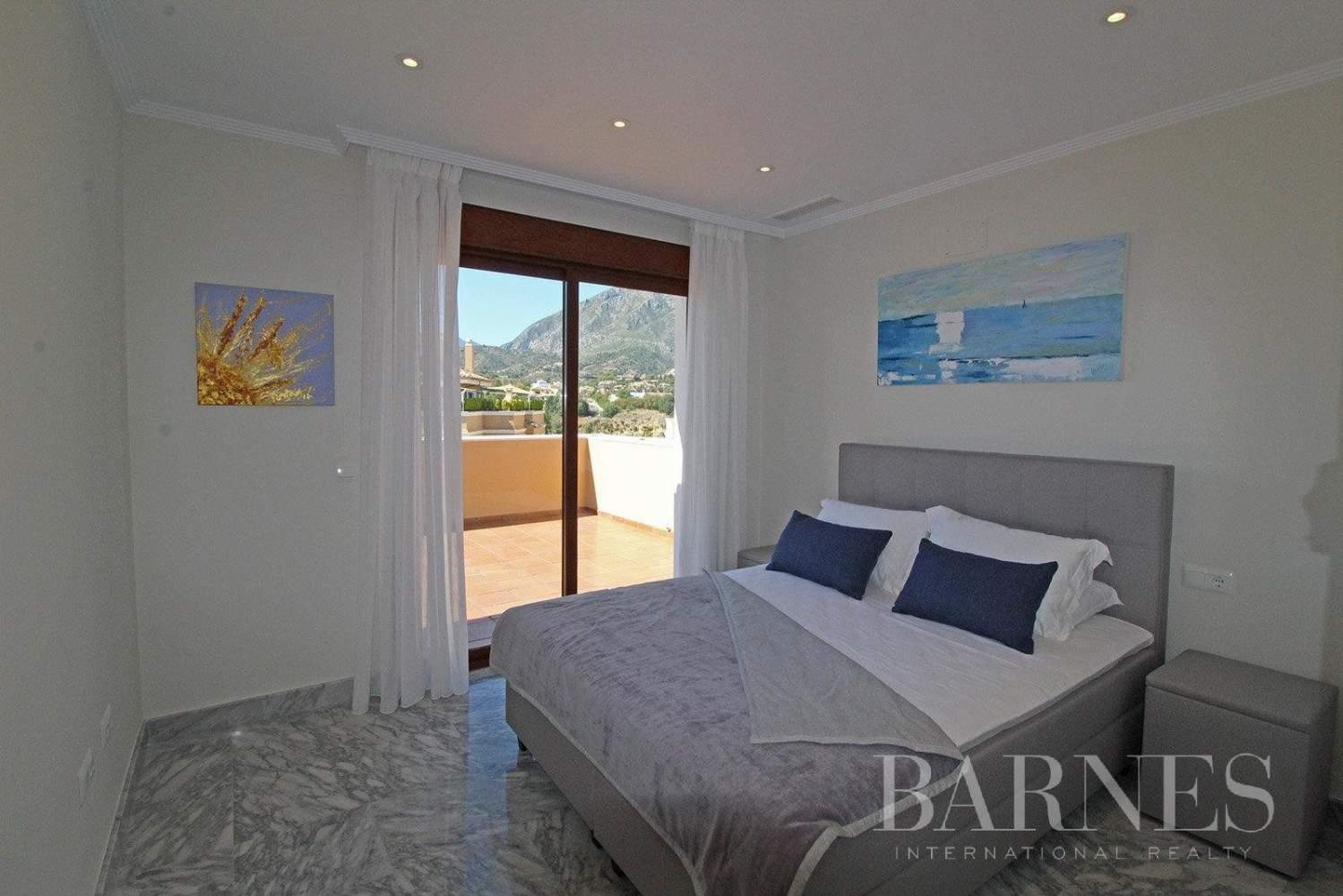 Marbella  - Ático 10 Cuartos 4 Habitaciones - picture 15