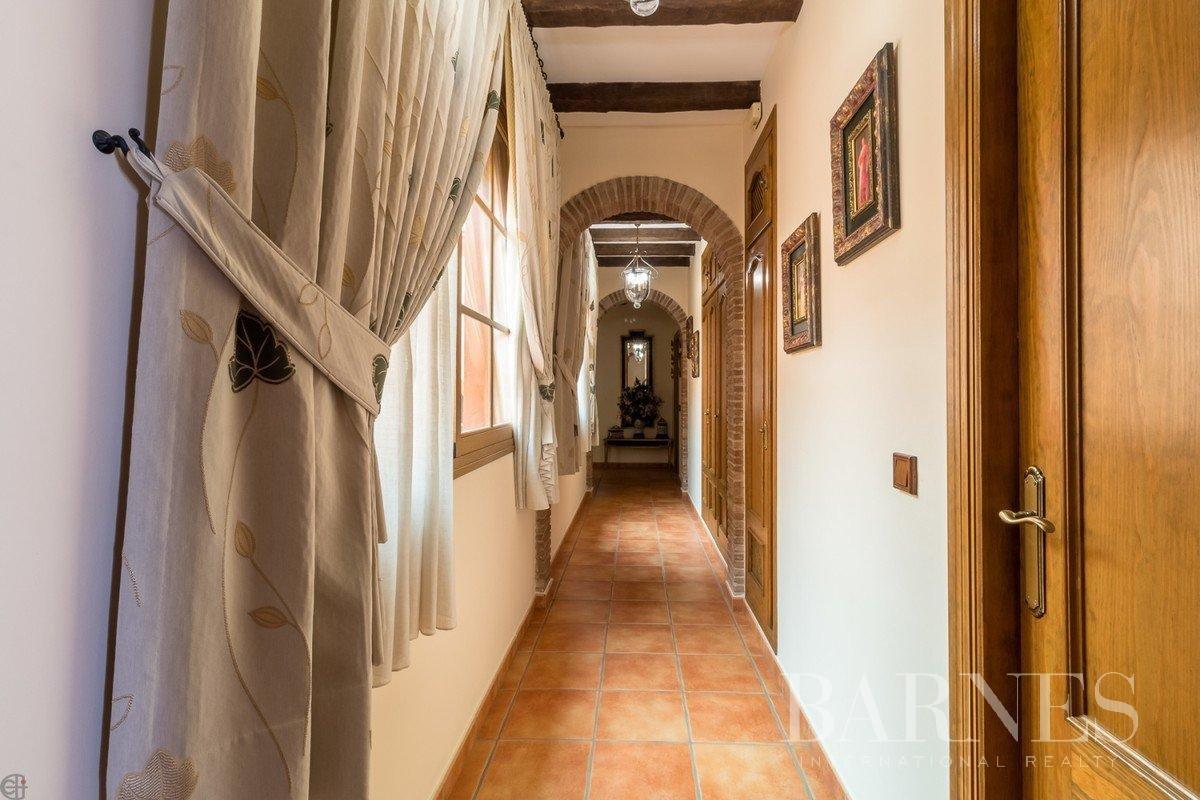 Estepona  - Maison de ville 12 Pièces 4 Chambres - picture 18