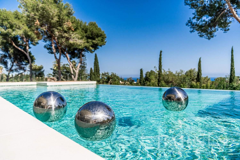 Marbella  - Villa 30 Cuartos 6 Habitaciones - picture 2