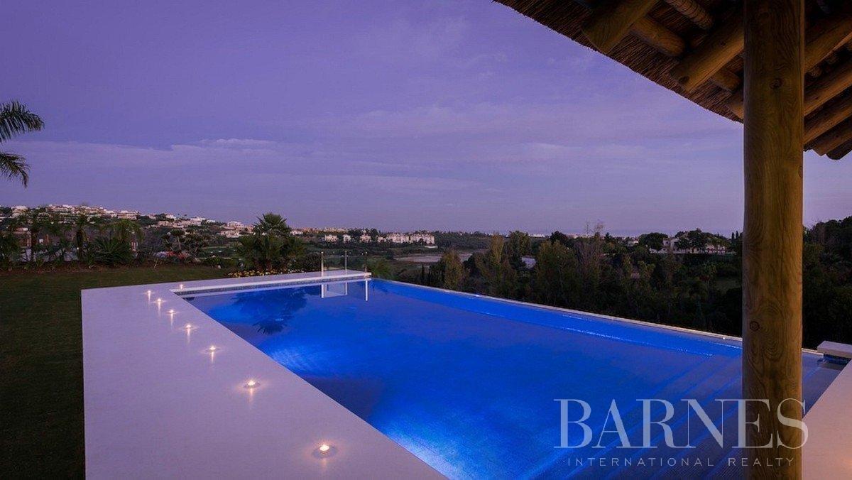 Estepona  - Villa 15 Cuartos 5 Habitaciones - picture 8