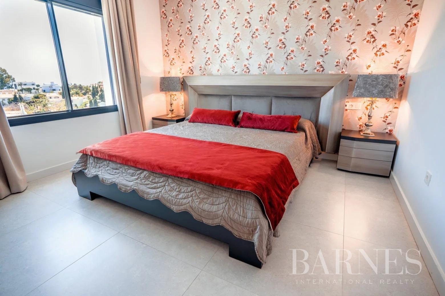 Marbella  - Villa 20 Cuartos 4 Habitaciones - picture 9