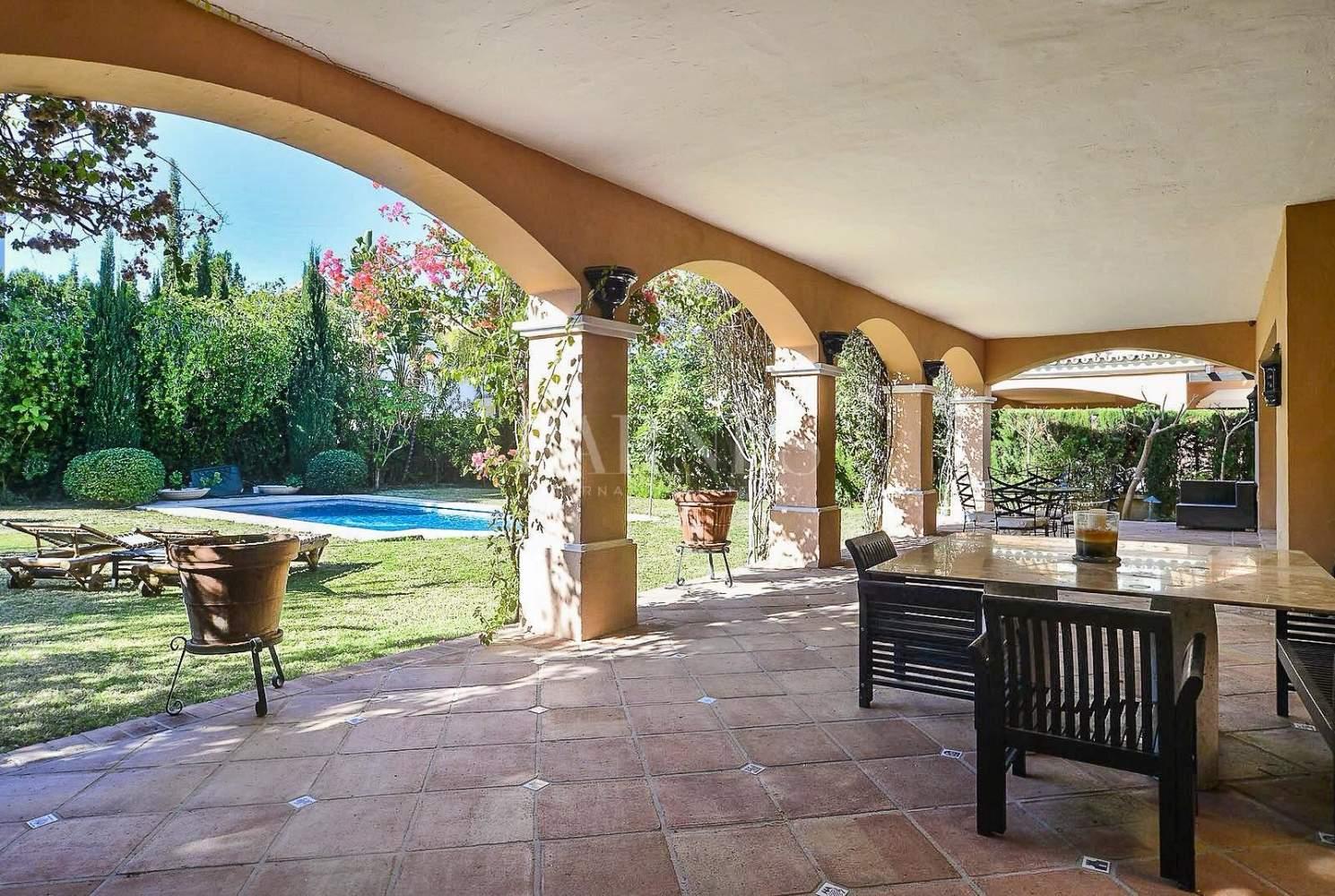 Nueva Andalucia  - Villa 15 Cuartos 4 Habitaciones - picture 4