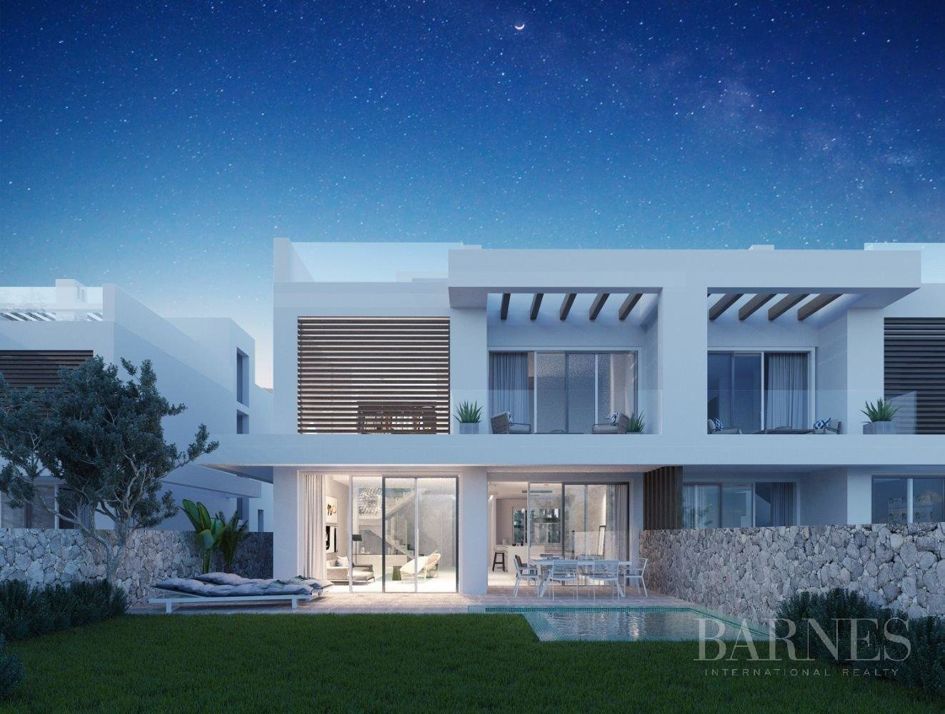 Marbella  - Villa 5 Cuartos 4 Habitaciones - picture 3