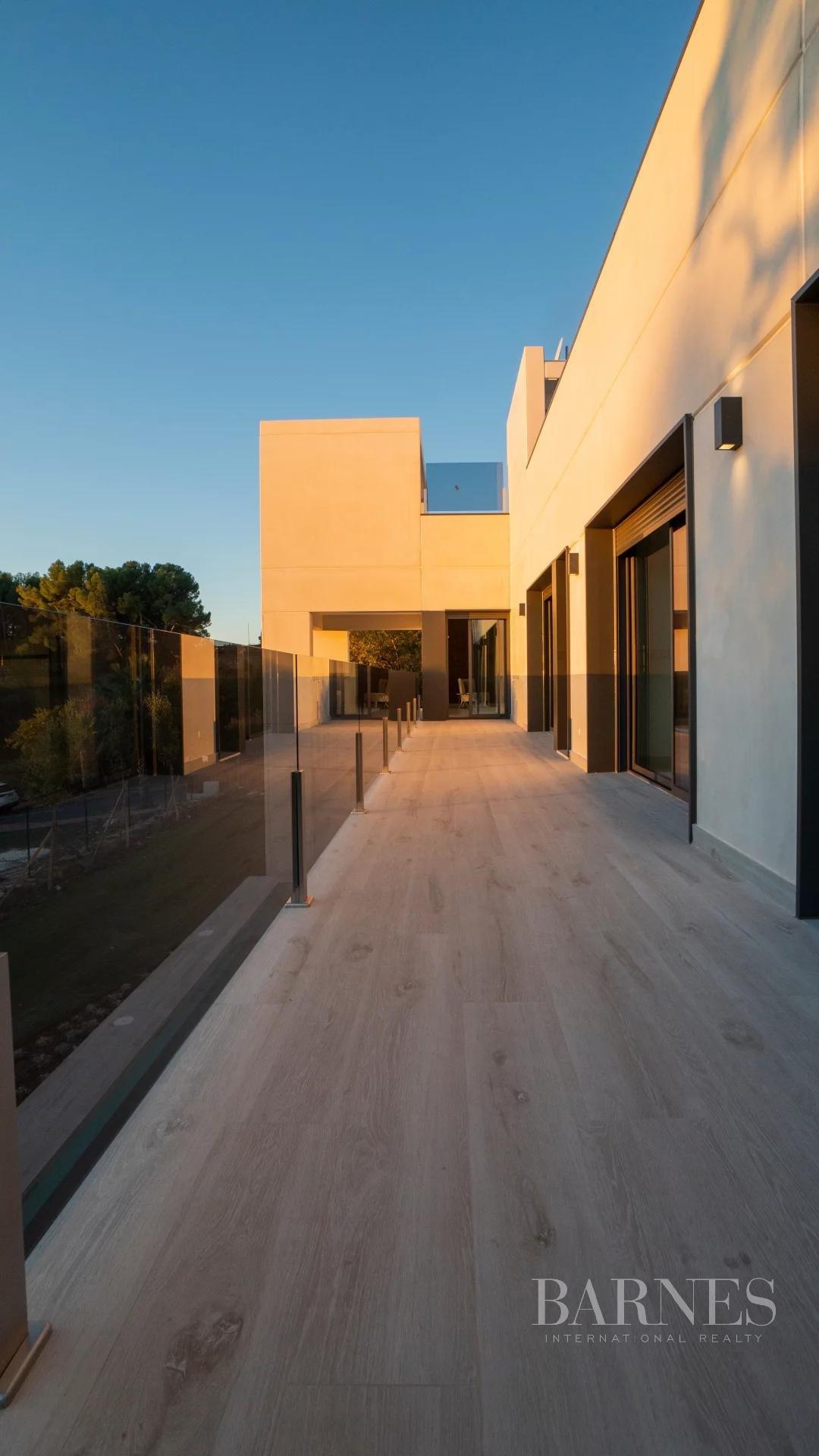 Benalmádena  - Villa 30 Cuartos 4 Habitaciones - picture 16