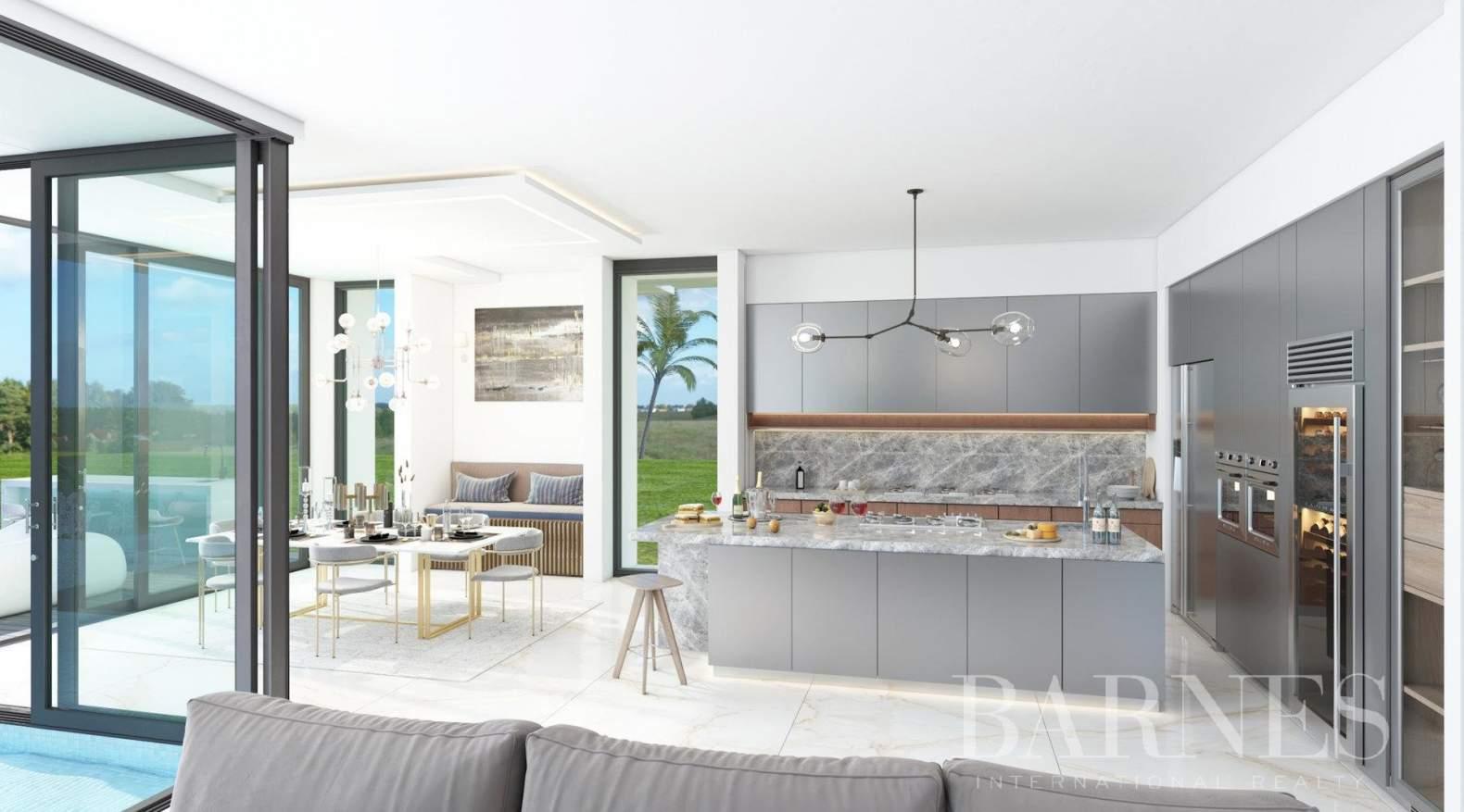 Riviera del Sol  - Villa 10 Cuartos 4 Habitaciones - picture 3