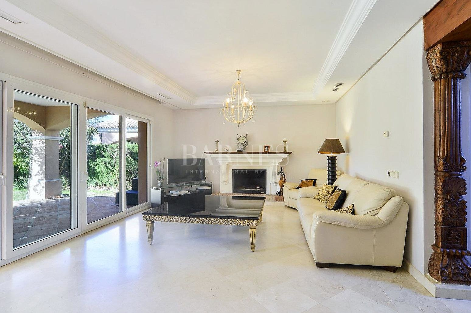 Nueva Andalucia  - Villa 15 Cuartos 4 Habitaciones - picture 7