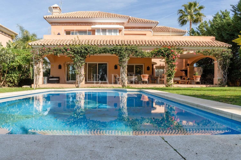 Nueva Andalucia  - Villa 15 Cuartos 4 Habitaciones - picture 3