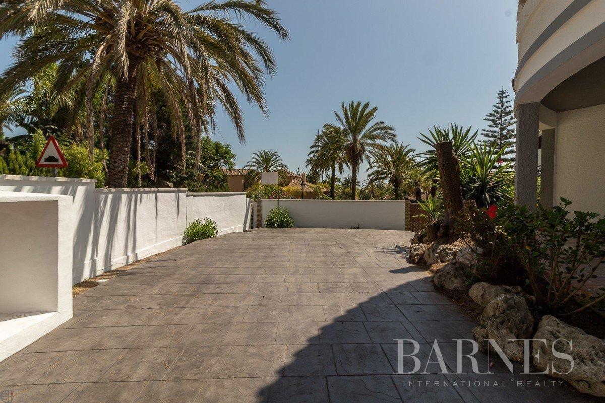 Marbella  - Villa 20 Cuartos 6 Habitaciones - picture 6