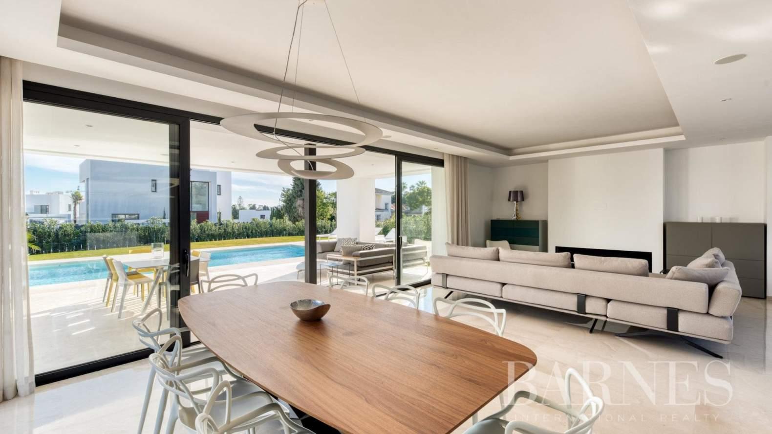 Estepona  - Villa  5 Habitaciones - picture 4