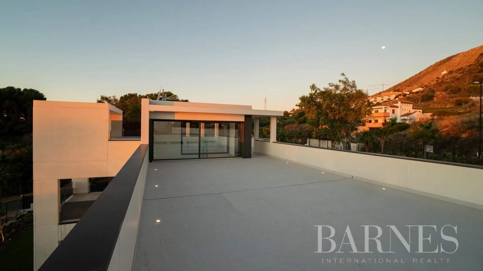 Benalmádena  - Villa 30 Cuartos 4 Habitaciones - picture 13