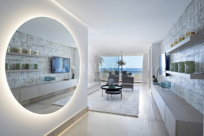 Estepona  - Apartment 2 Bedrooms - picture 2