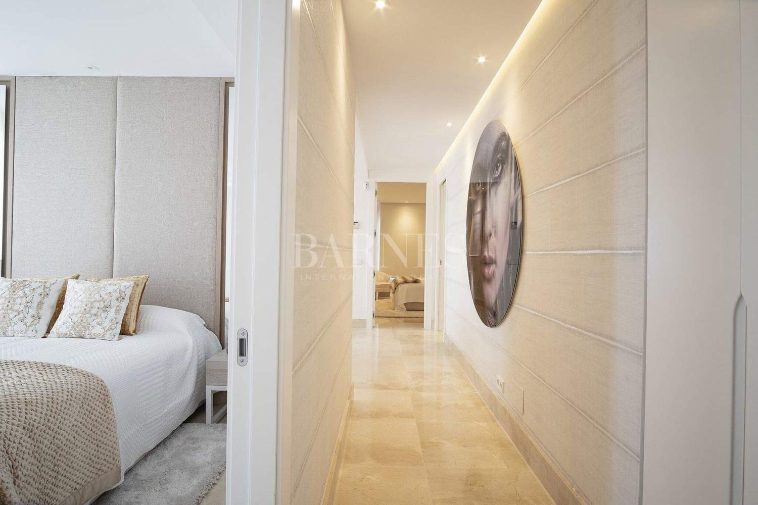 Estepona  - Apartment 2 Bedrooms - picture 11