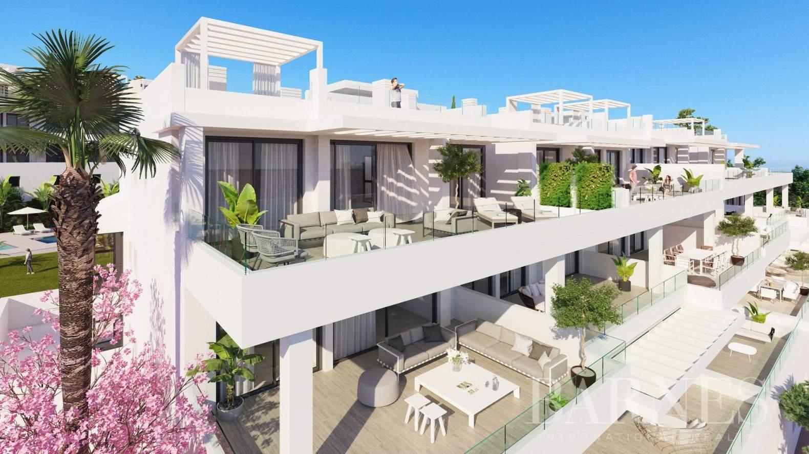 Estepona  - Apartment 2 Bedrooms - picture 1