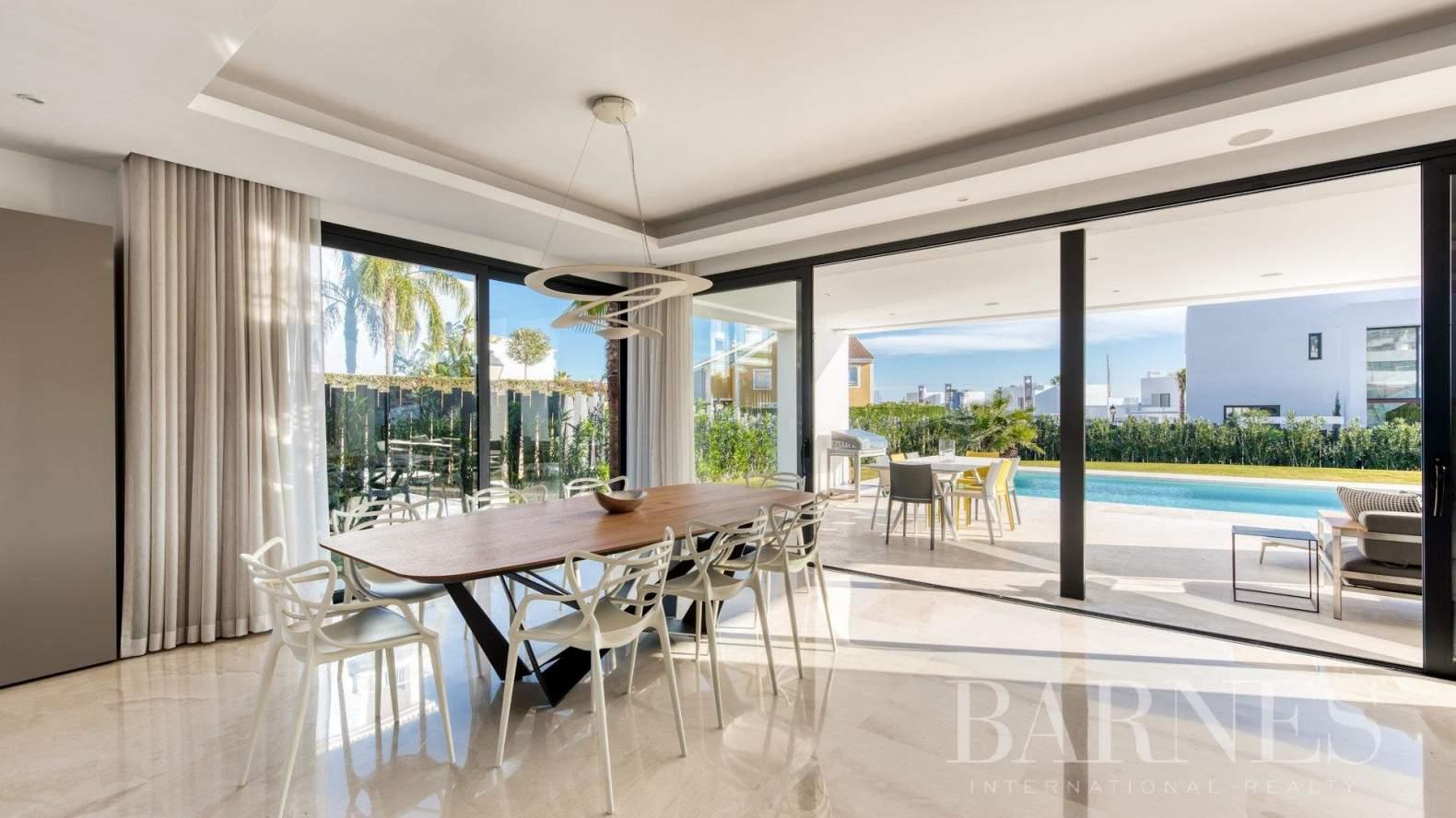 Estepona  - Villa  5 Habitaciones - picture 3