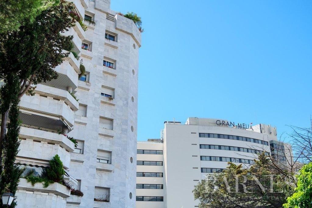 Marbella  - Piso 5 Cuartos 3 Habitaciones - picture 3