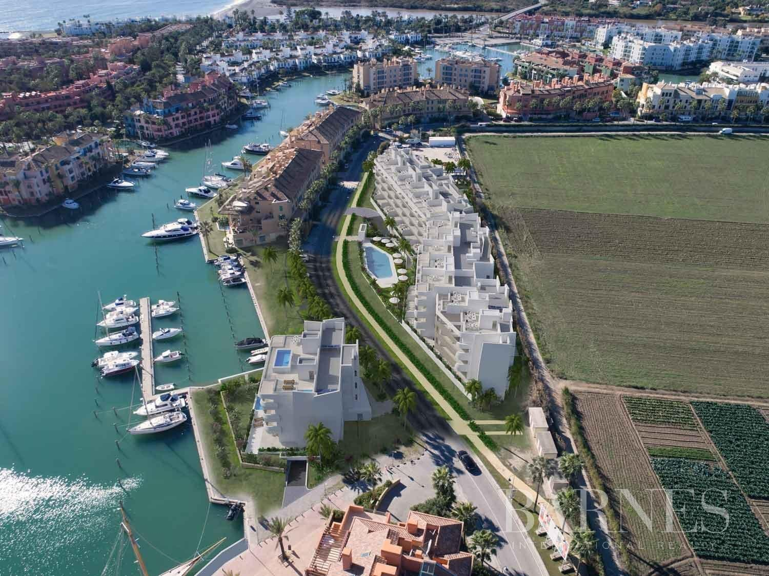 Sotogrande  - Penthouse 4 Bedrooms - picture 13