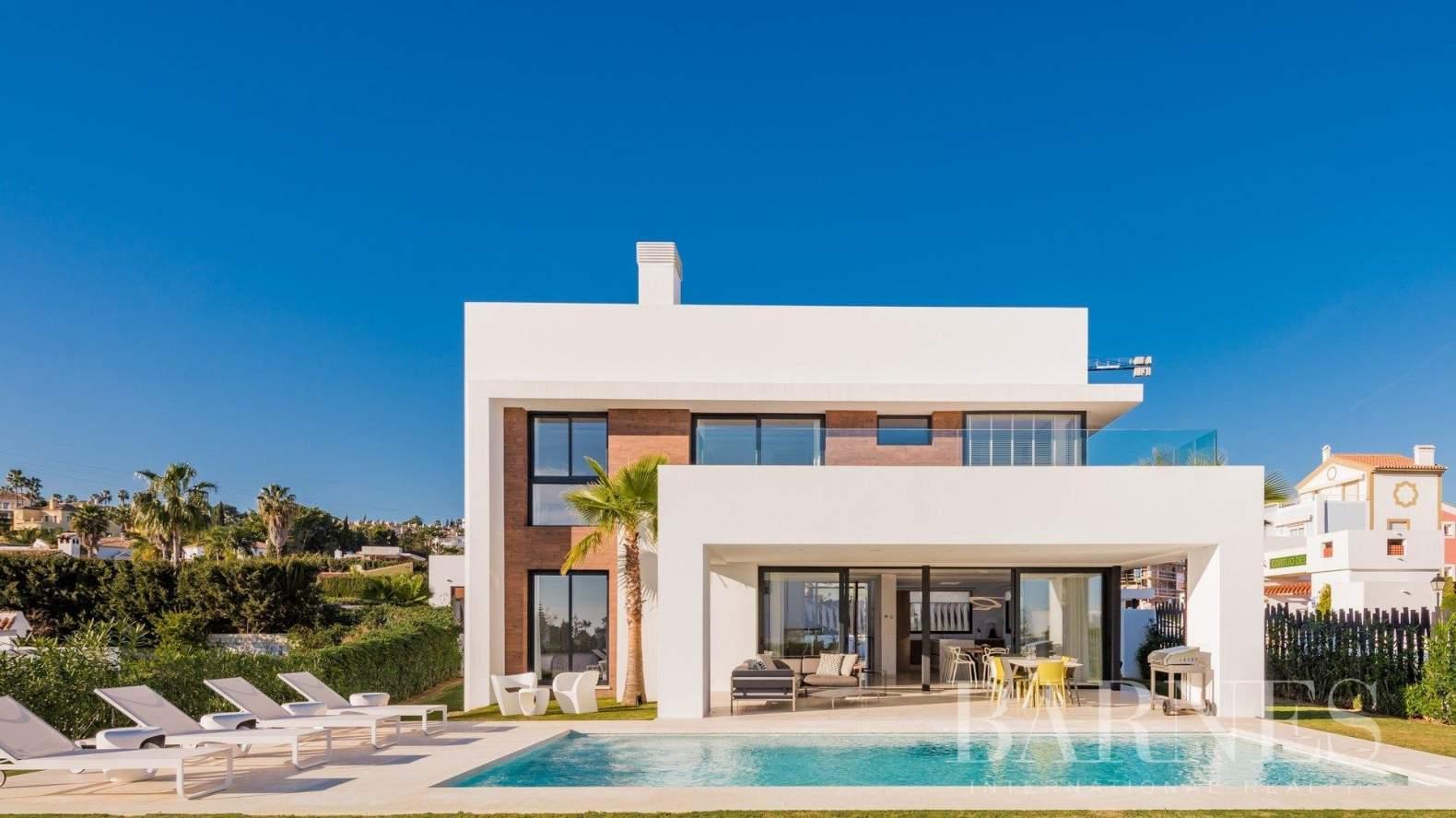 Estepona  - Villa  5 Habitaciones - picture 1