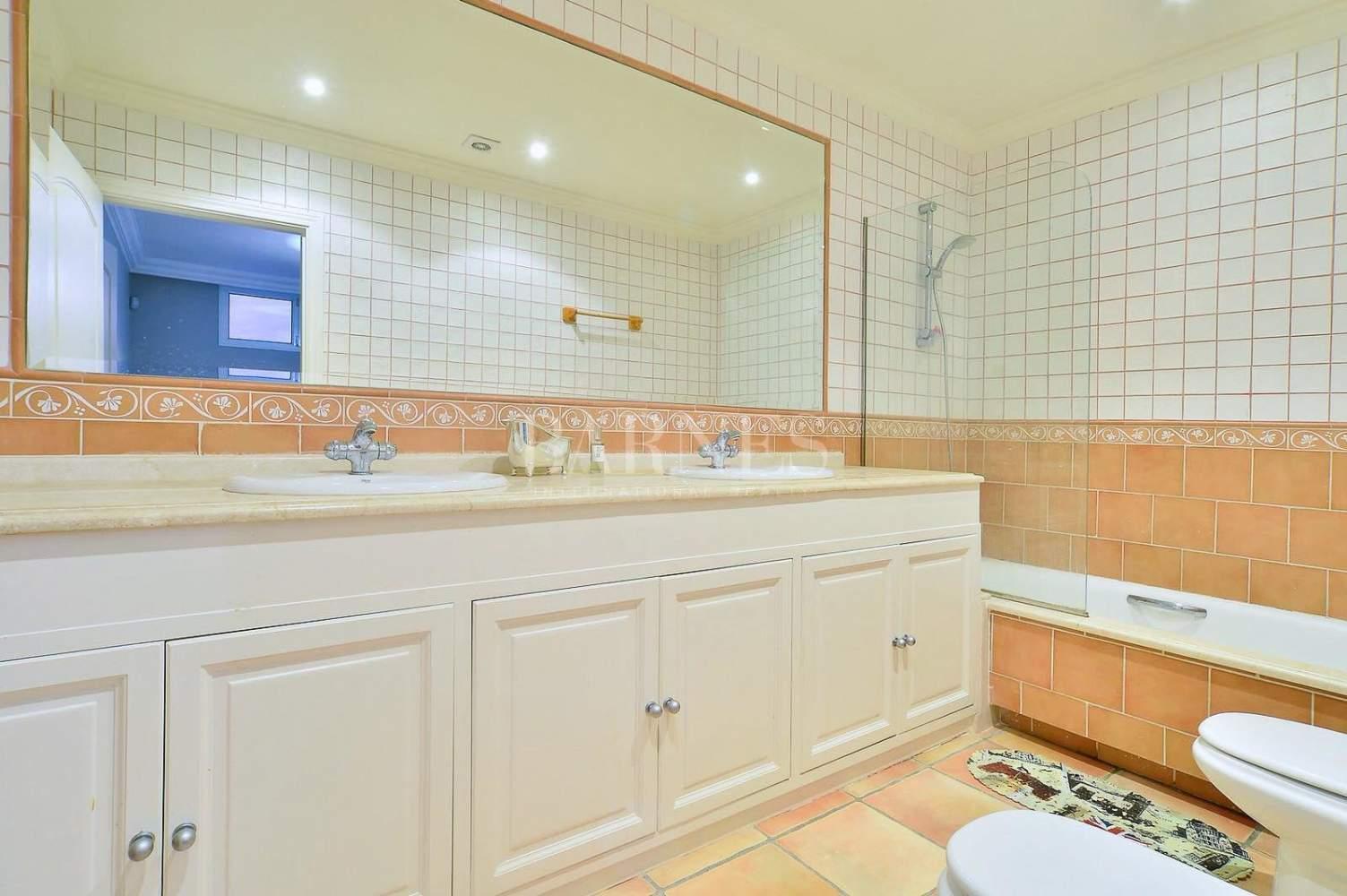 Nueva Andalucia  - Villa 15 Cuartos 4 Habitaciones - picture 9