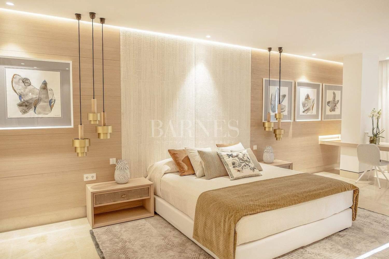 Estepona  - Apartment 3 Bedrooms - picture 19