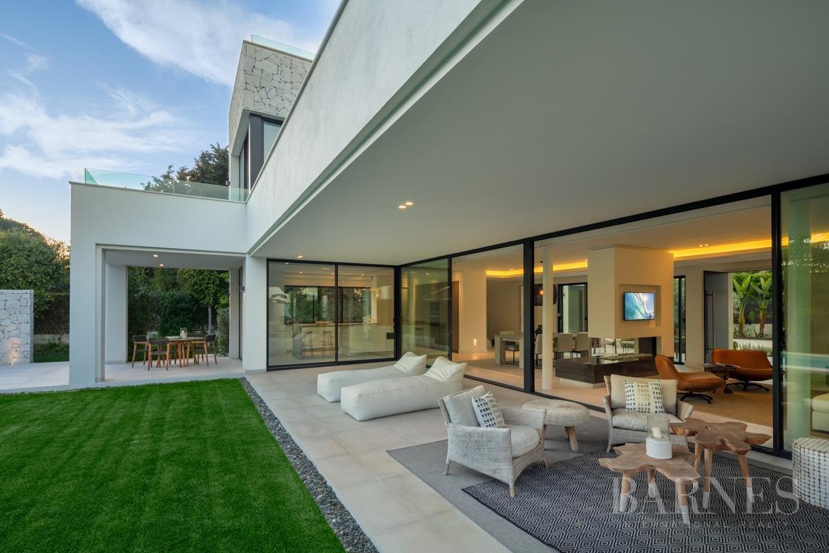 Estepona  - Villa 5 Cuartos 4 Habitaciones - picture 3