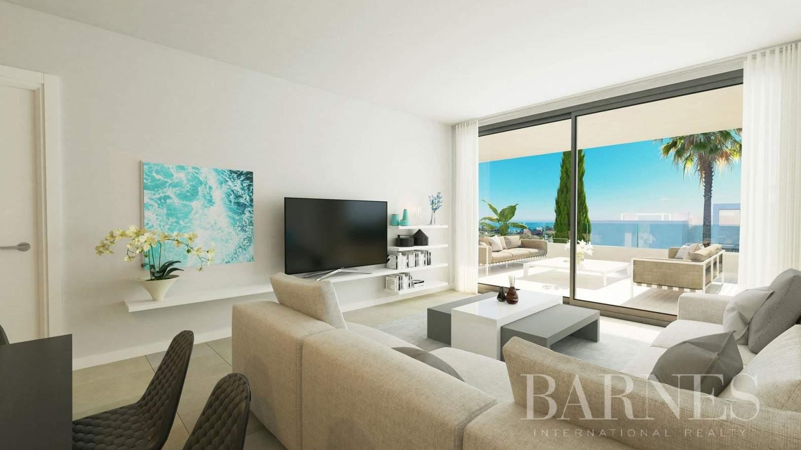 Estepona  - Apartment 2 Bedrooms - picture 5