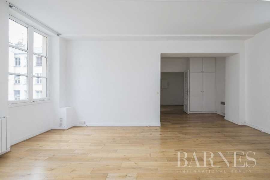 Apartment Paris 75003