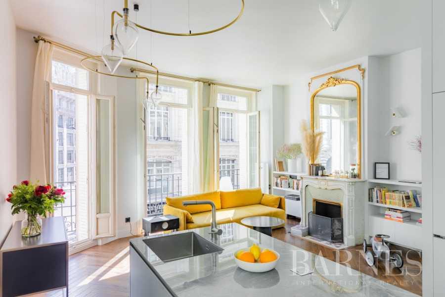 Paris  - Appartement 2 Pièces 2 Chambres