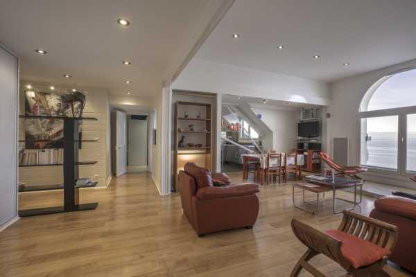 Appartement Évian-les-Bains  -  ref 4921445 (picture 2)