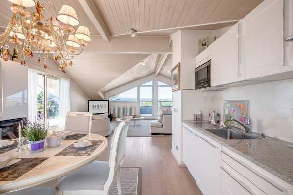 Appartement Évian-les-Bains  -  ref 2512185 (picture 1)