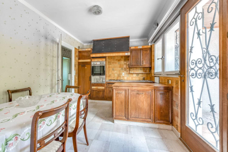 Évian-les-Bains  - Maison 7 Pièces 5 Chambres - picture 11