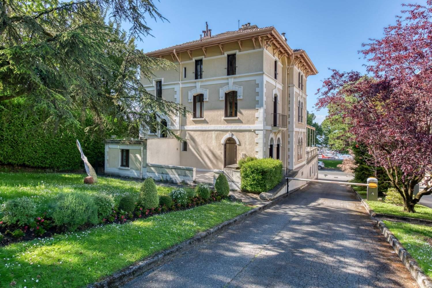 Évian-les-Bains  - Maison 9 Pièces 6 Chambres - picture 3