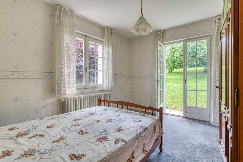 Évian-les-Bains  - Maison 7 Pièces 5 Chambres - picture 14