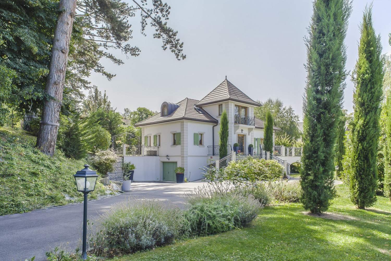 Évian-les-Bains  - Maison 5 Pièces 4 Chambres - picture 2