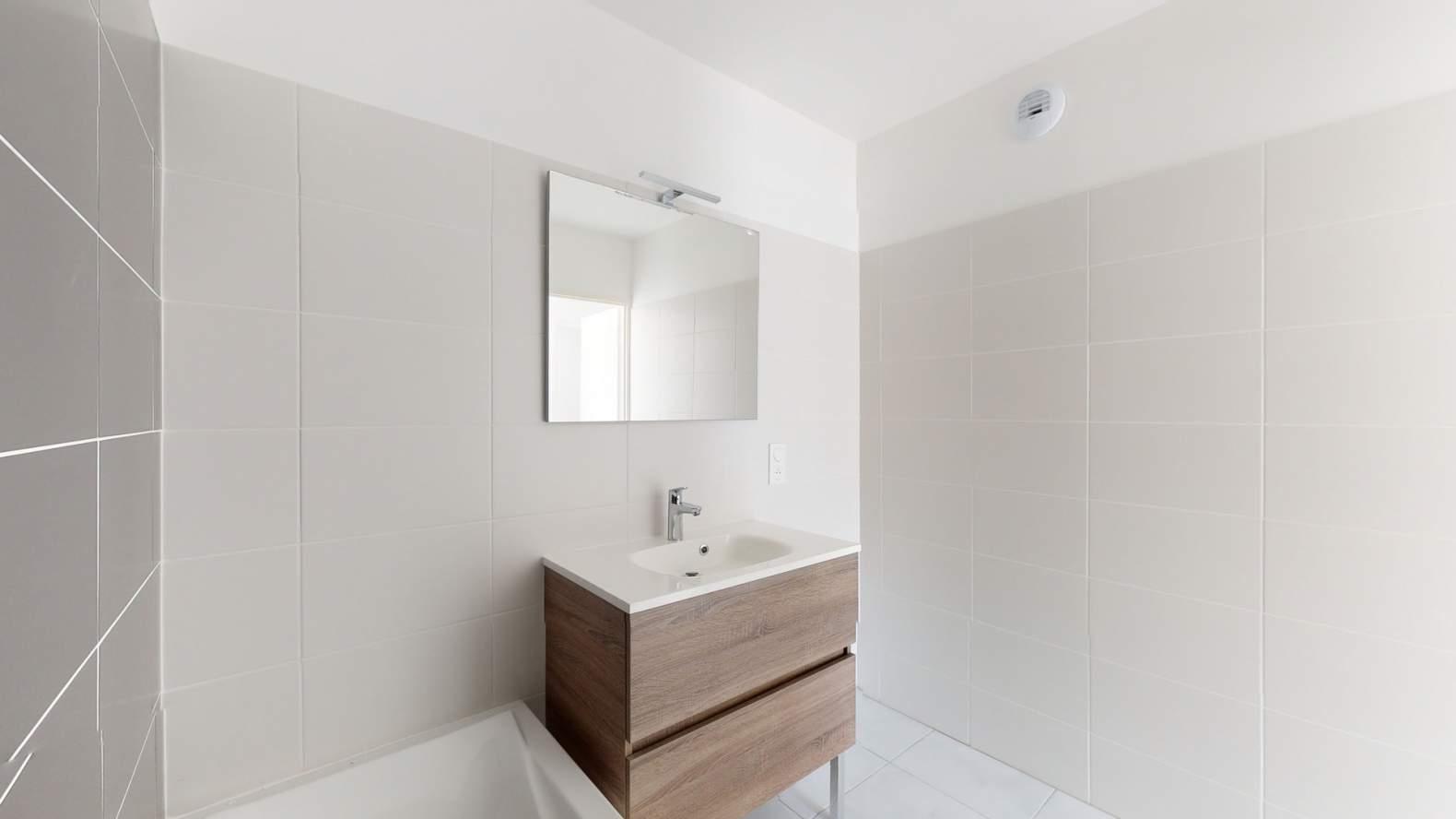 Évian-les-Bains  - Appartement 3 Pièces 2 Chambres - picture 13