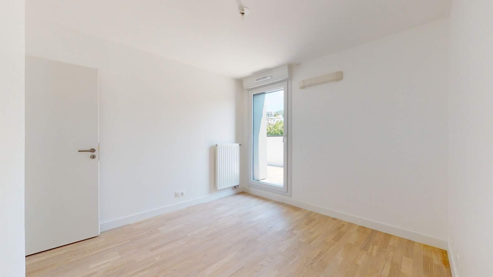 Évian-les-Bains  - Appartement 3 Pièces 2 Chambres - picture 12