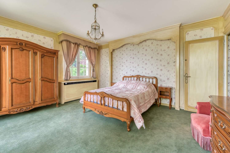 Évian-les-Bains  - Maison 7 Pièces 5 Chambres - picture 13