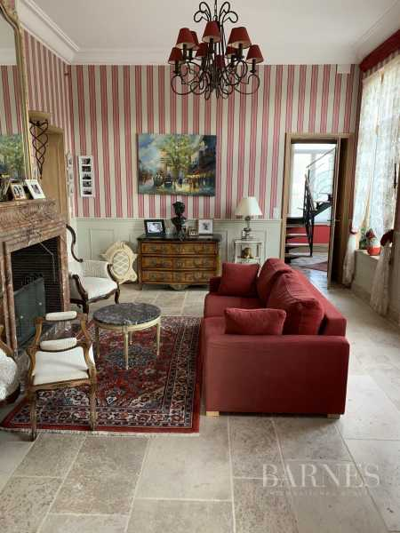 Saint-Amand-les-Eaux  - Property 6 Bedrooms